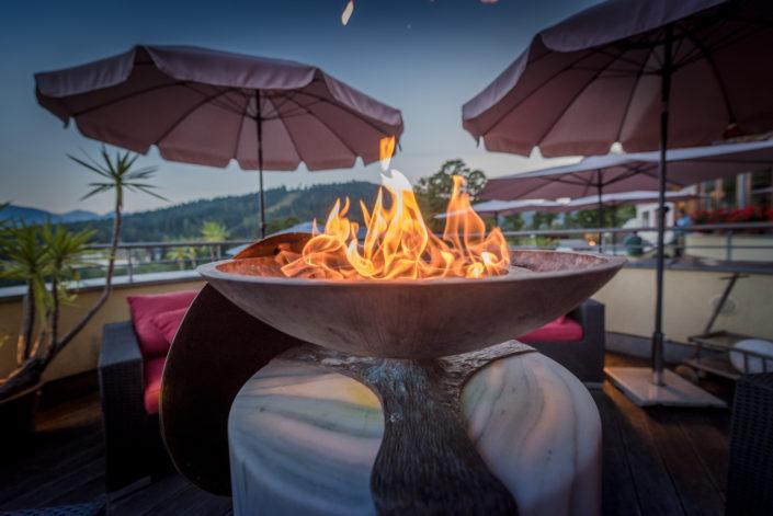 Feuerschale auf der Terrasse Hotel Berghof