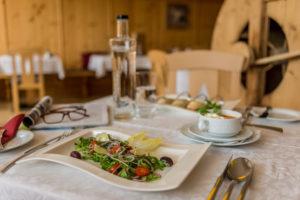 Berghof Jause mit Salatbuffet