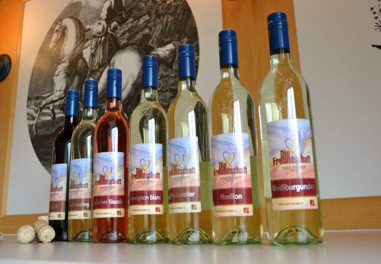 """Wein """"Die Freundschaft"""" vom Hotel Berghof"""